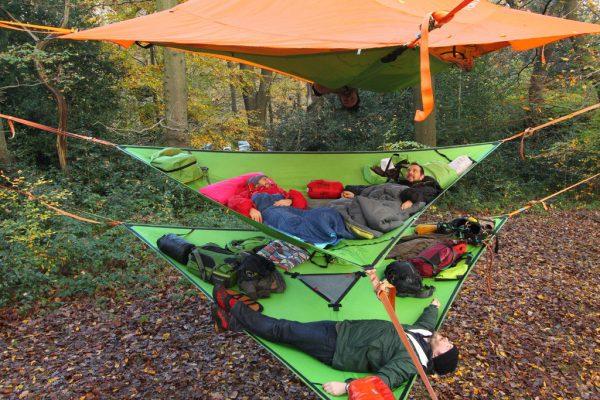 slackline-hammock-outdoor-camping-friends